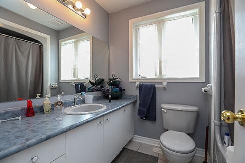 10A 121 Nicholson Drive - Bathroom - Before Renovation