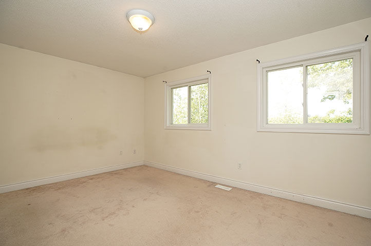 61 Winchester Terr - Living Room- Before Renovation