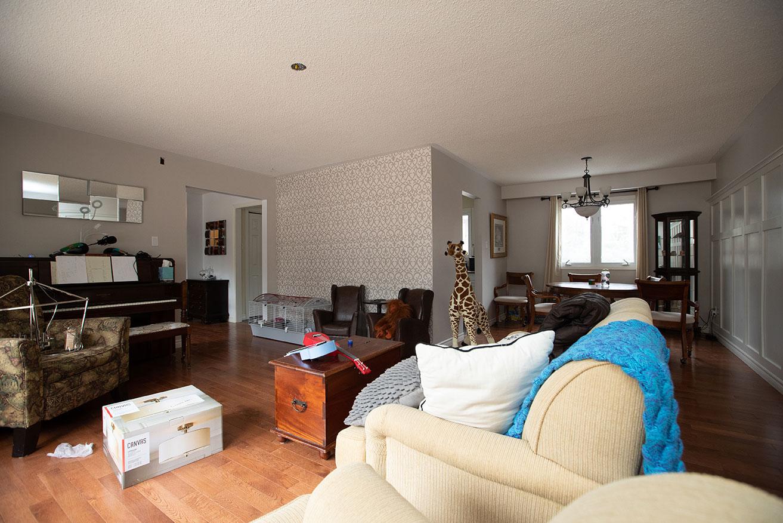 Cedar Creek- Living Room - Before Renovation