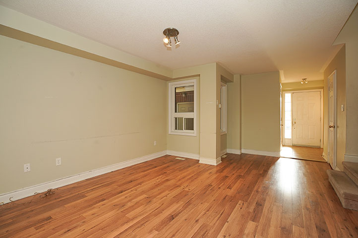 61 Winchester Terr - Living Room - Before Renovation