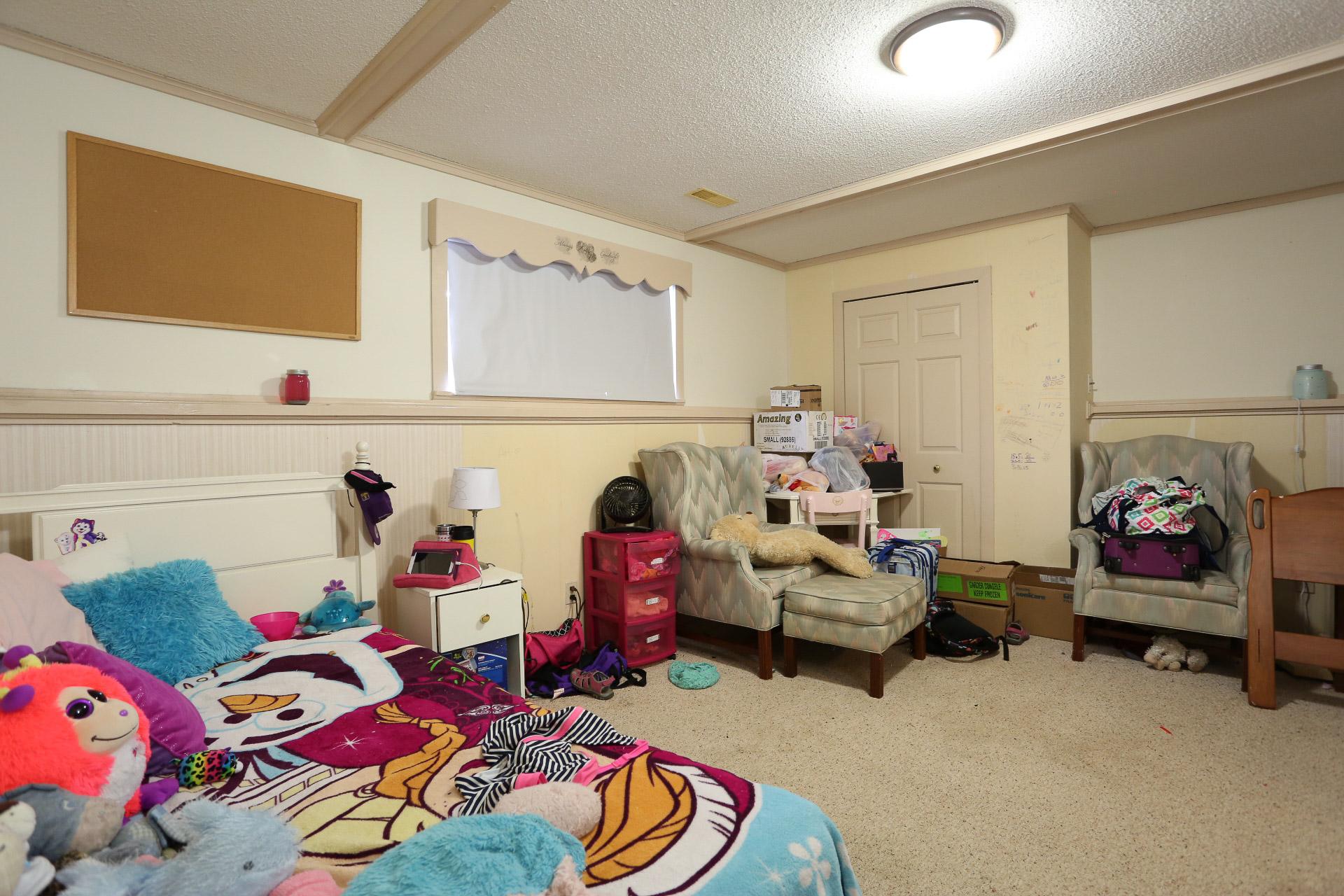 Foyston Bedroom - Before Renovation