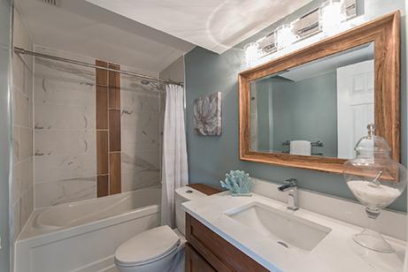 Foyston7B-bathroom-after-renovation