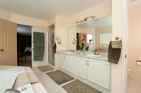 Cityview - Master's Bathroom- Before Renovation
