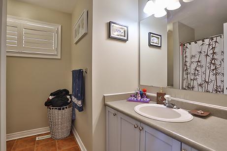 Countrylane Bathroom - Before Renovation
