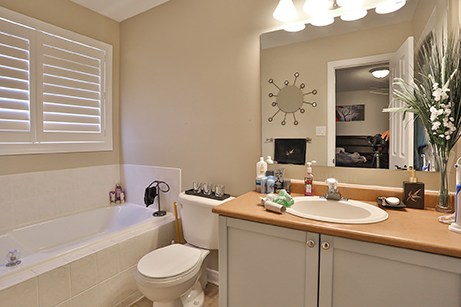Countrylane Master's Bathroom - Before Renovation