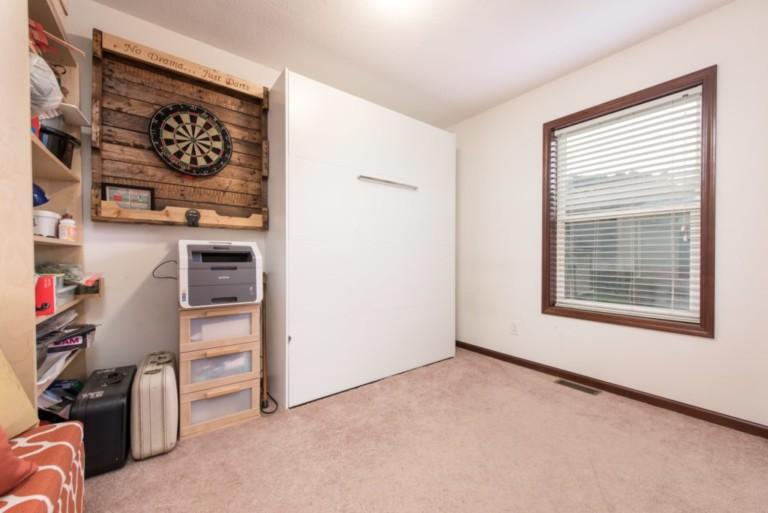1007Racoon_Gravenhurst-Mobie-Home-Living-Space