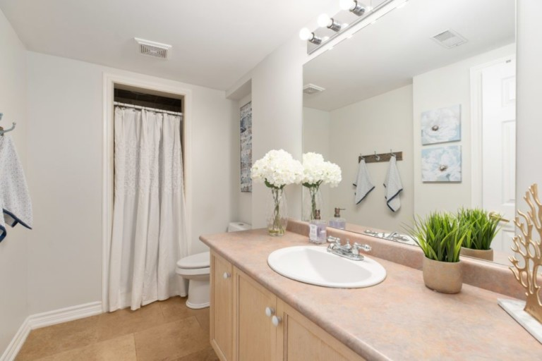 34-Pinecliff-Cres-Basement-Bathroom