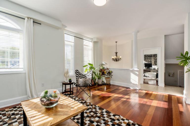 34-Pinecliff-Cres-Corner-Living-Room