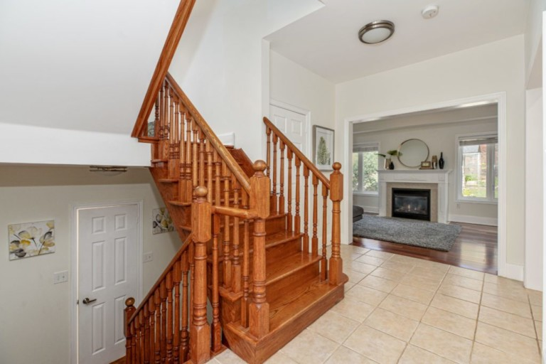 34-Pinecliff-Cres-Stairway