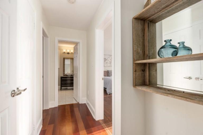 34-Pinecliff-Cres-hallway