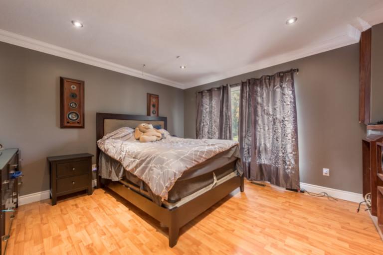Scott_Barrie-Bedroom