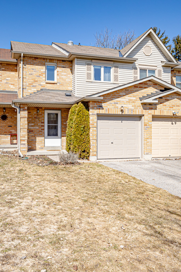 28 Bates Ct. Barrie ON (86 of 90)