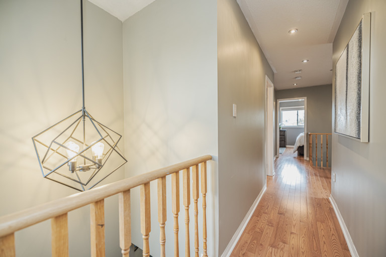 37 Coleman Drive Barrie ON (81 of 126)