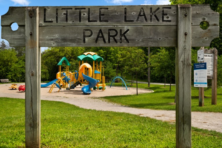 97 Little Lake Dr, Barrie HIGH RES-31
